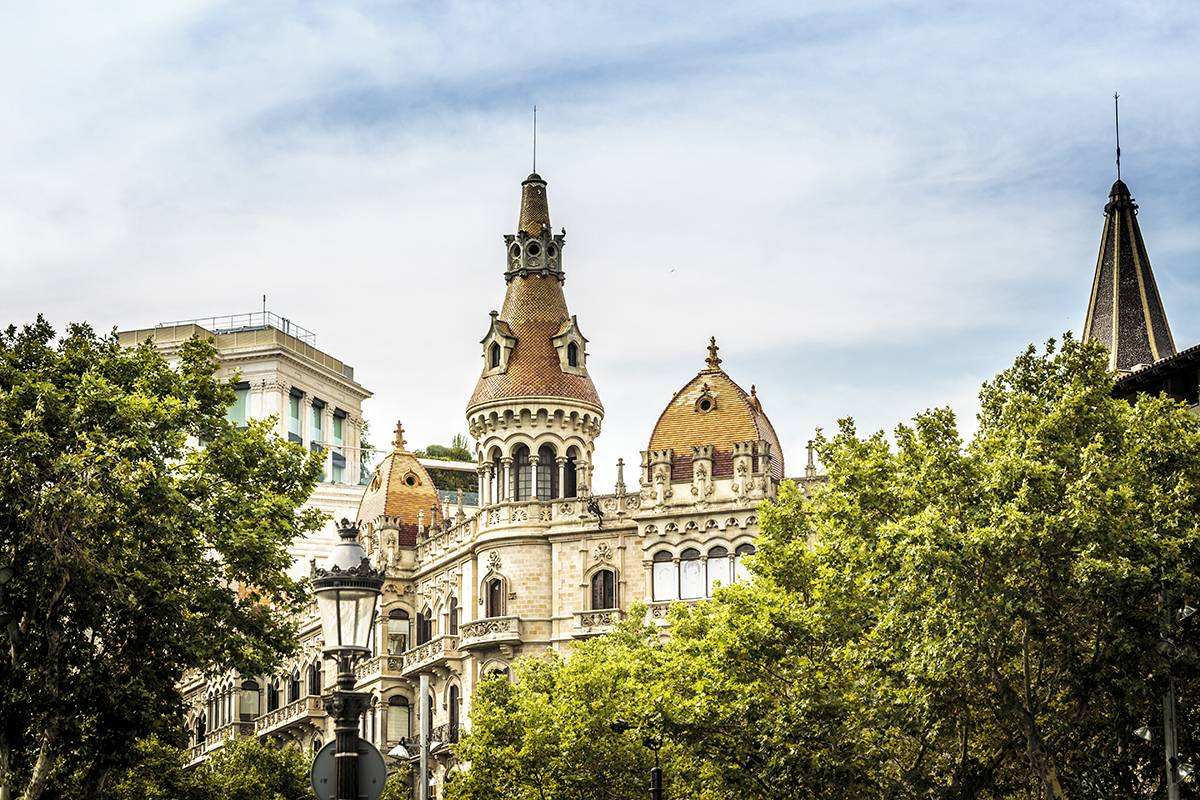 SANDEMANs NEW Barcelona Tours Tour de Gaudí y el Modernismo en Barcelona