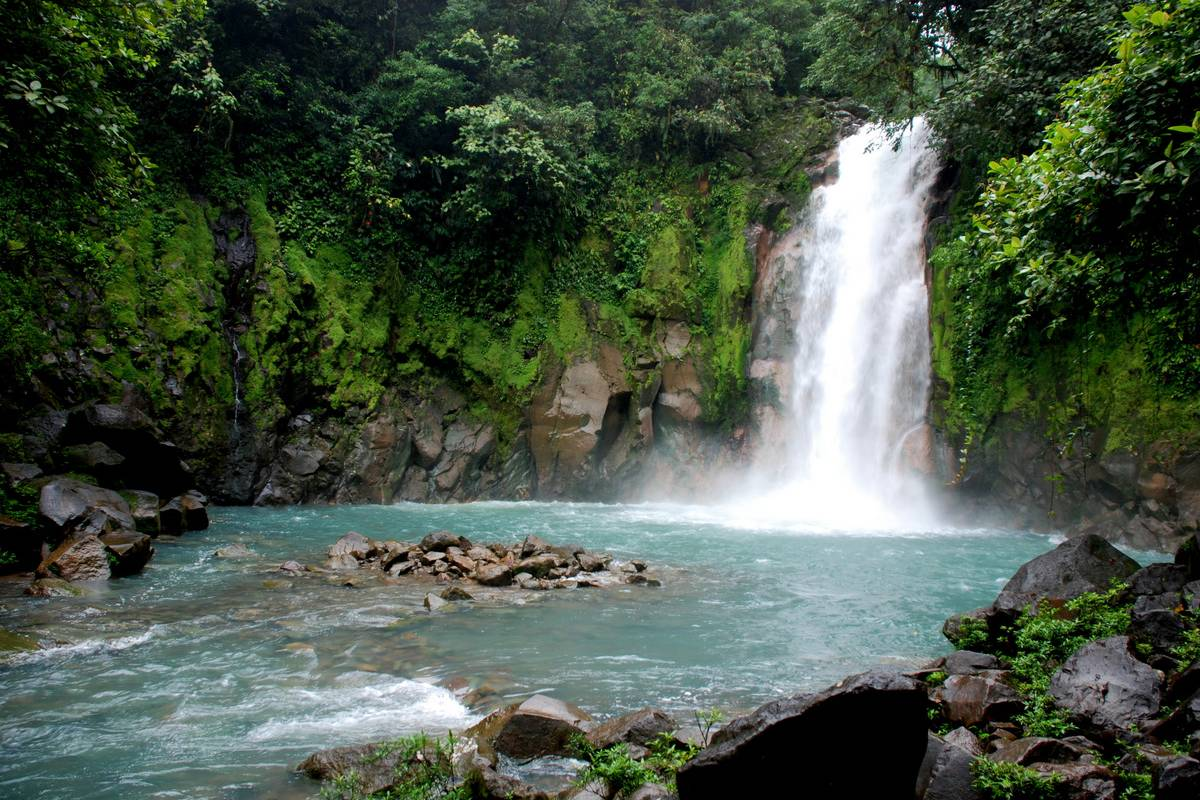 Tour Guanacaste Rio Celeste and Cortés Waterfall Day Trip