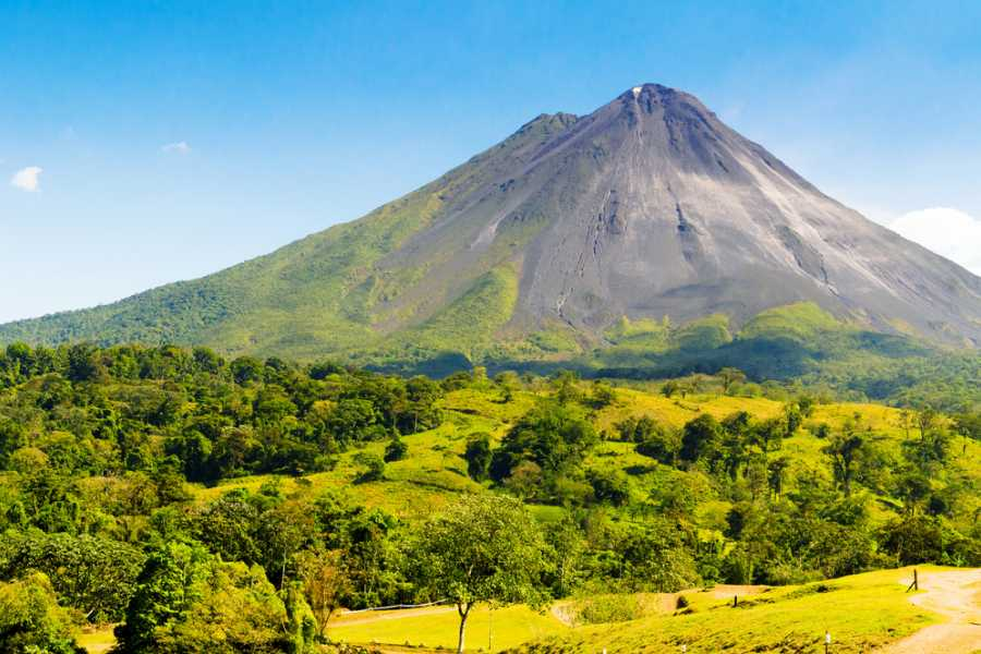 Tour Guanacaste Arenal Volcano and Rain Forest Tour