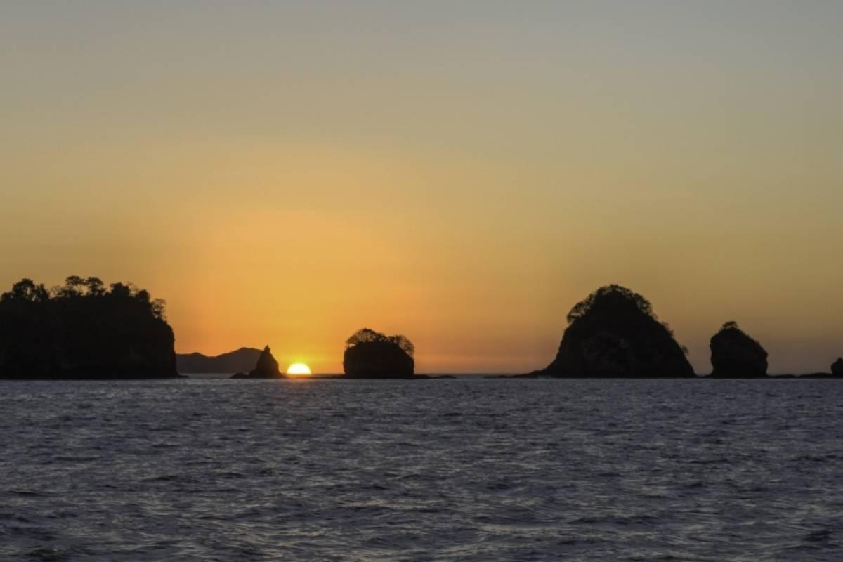 Tour Guanacaste Sunset Catamaran Tour