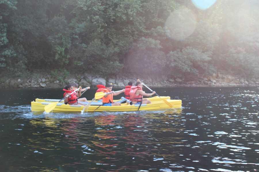 Gerês Holidays Canoa sobre Tranquilas Aguas