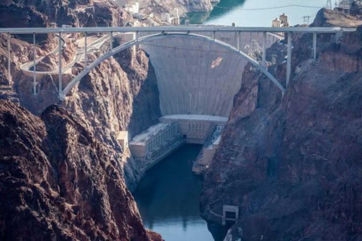 Dream Vacation Builders Grand Canyon West Rim Bus Tour