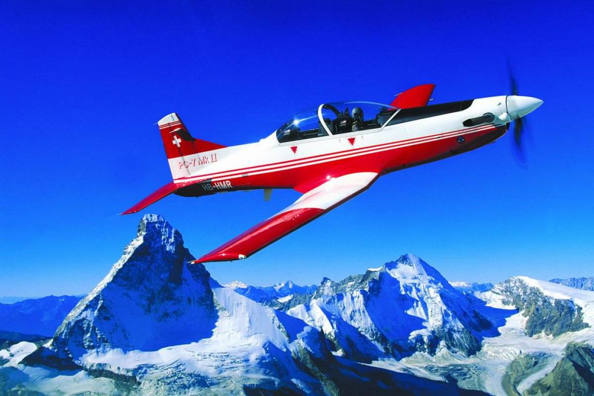 HB Adventure Switzerland Adventure flight with Airforce Trainer PC 7 aircraft