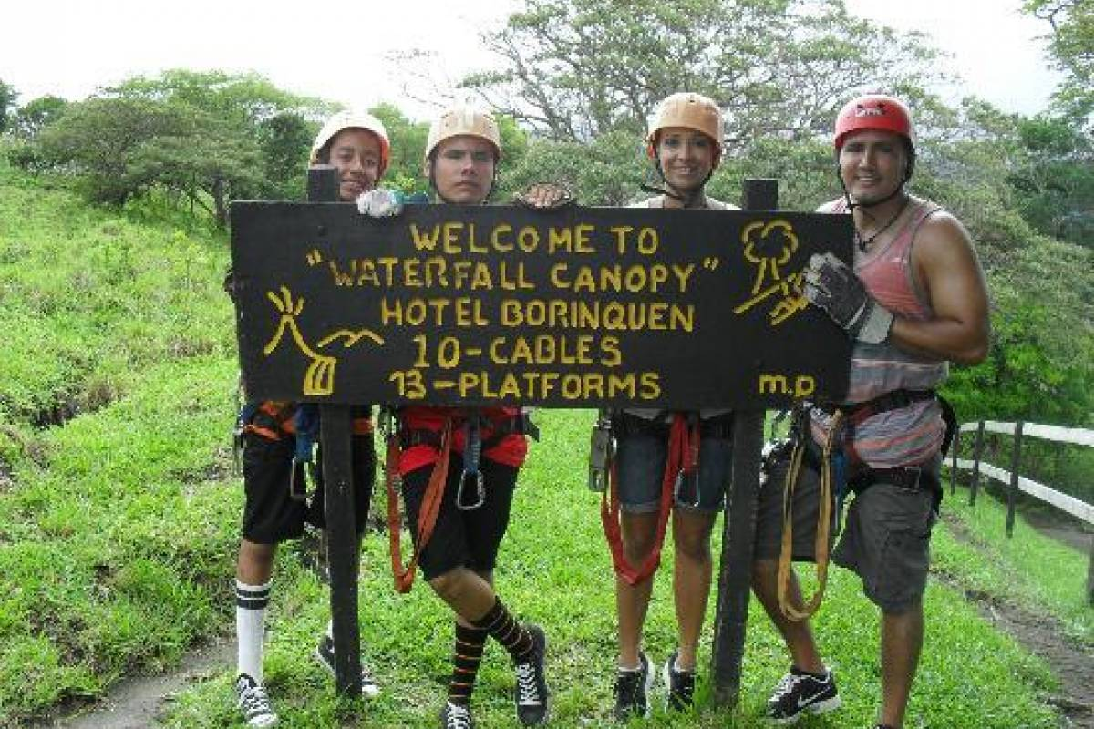 Tour Guanacaste Borinquen Canopy and Hot Spring Experience