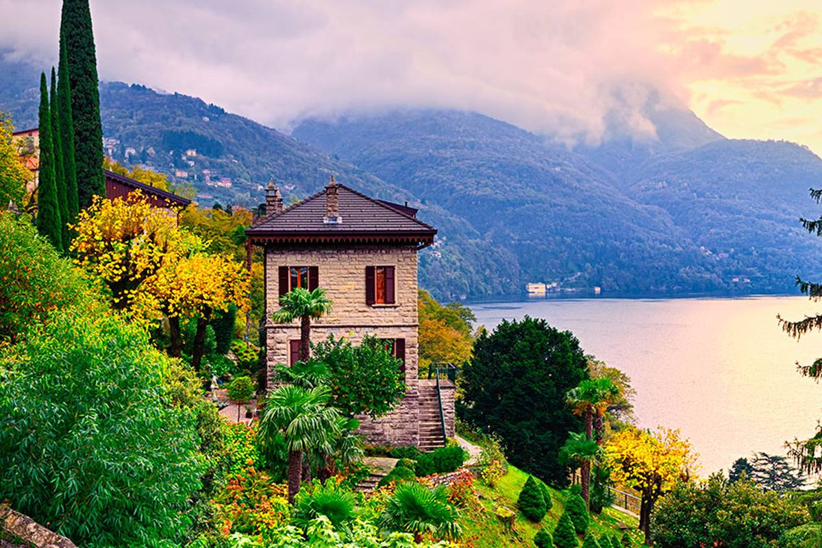 Lookals Como Lake & Bellagio Day-trip from Milan