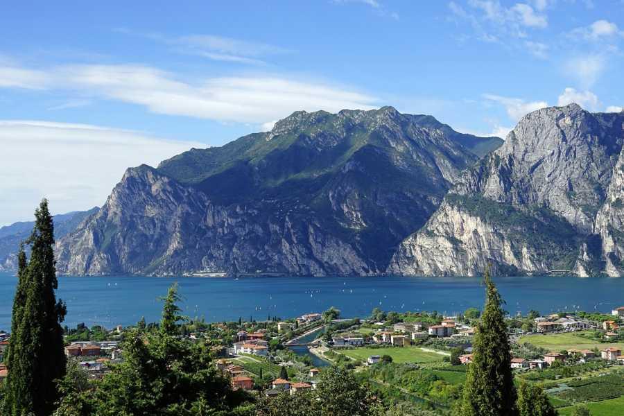 MilanoWow Verona & Garda Lake Day-trip from Milan