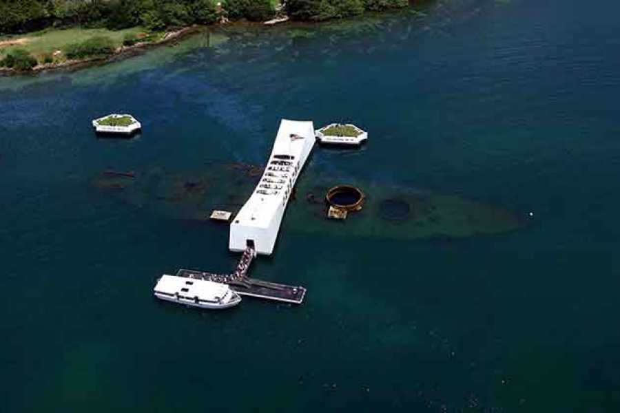 Dream Vacation Builders Pearl Harbor & Honolulu City Highlights Tour
