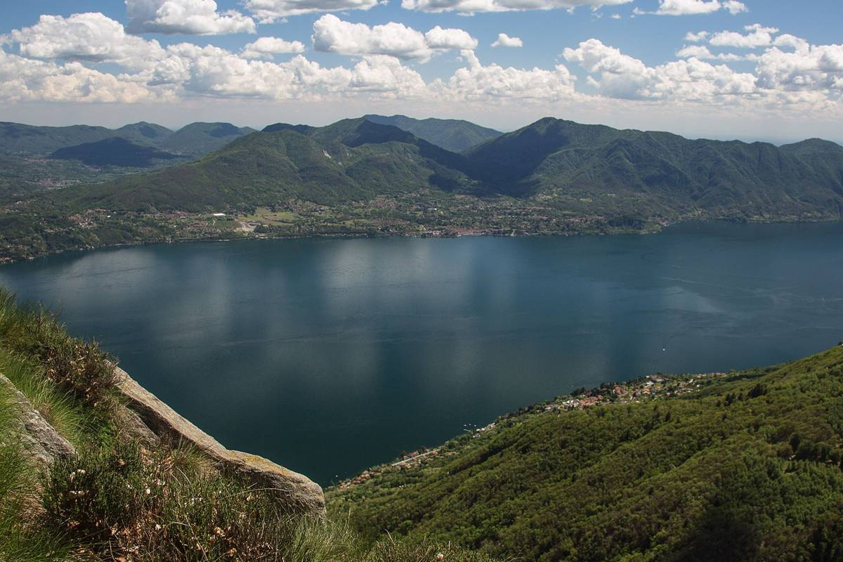 Lookals Maggiore & Orta Lakes Day-Trip from Milan