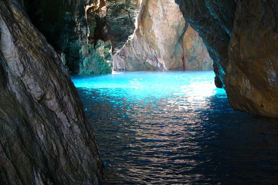 HP Travel Vivi la Dolce Vita Italiana – Esperienza in barca da Capri
