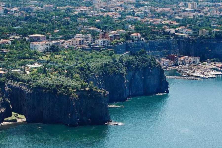 HP Travel Capri Boat Experience: Living la Dolce Vita Italiana