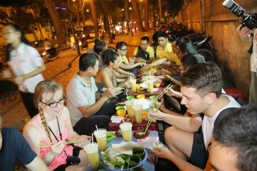 Vietnam 24h Tour Hochiminh city alive & food by night (Motorbike tour)