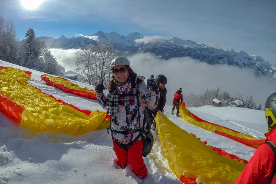 "Paragliding Interlaken GmbH 滑翔—触碰广阔的 ""Big Blue"" Winter 蓝天"