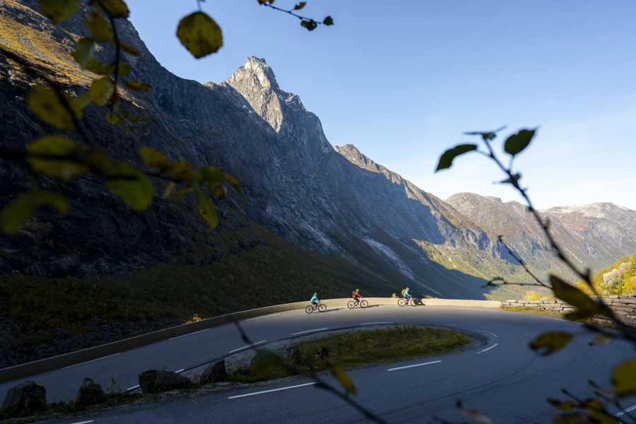 Hotel Aak Trollstigen: El-sykkel & Fjelltur