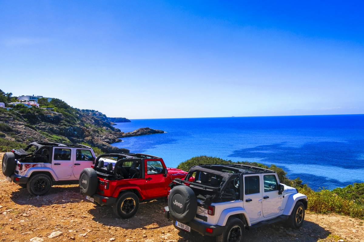 rockidibiza Cliff Diving Jeep Tour
