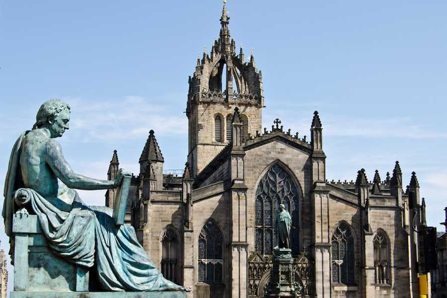 SANDEMANs NEW Europe Edinburgh Appetiser Private City Tour