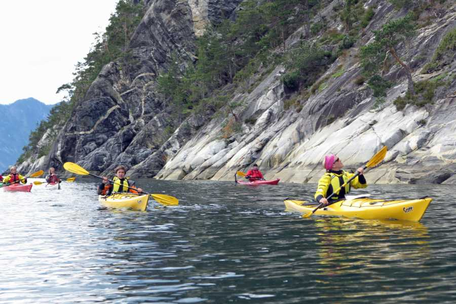 Bulder & Brak Opplevingar AS Guided kayak trip 5-6 hours