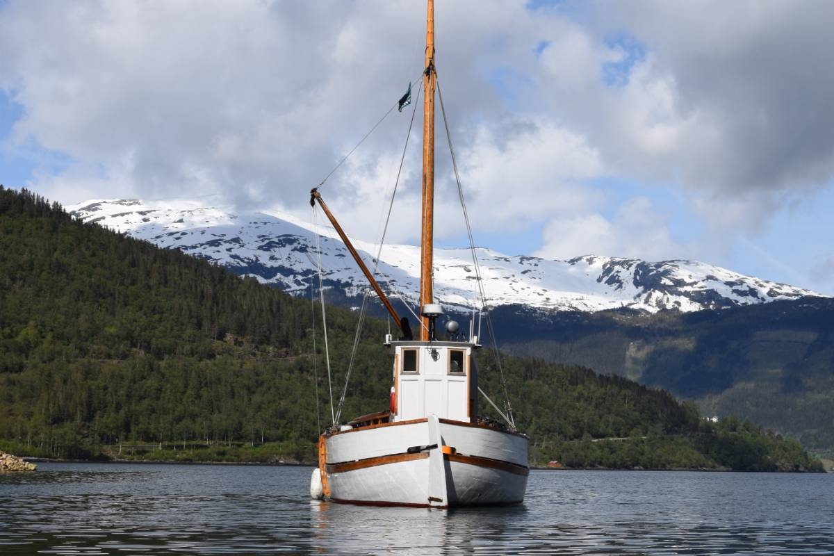 Gosta.co Go Fjordcruise with a Old, charming Norwegian boat