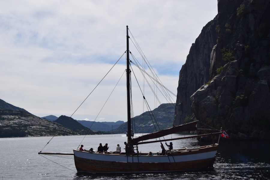 www.gosta.co Go To The Fjords