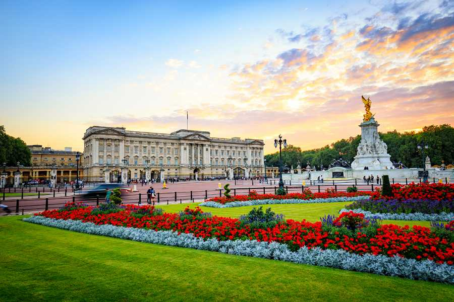 SANDEMANs NEW Europe London General Private City Tour