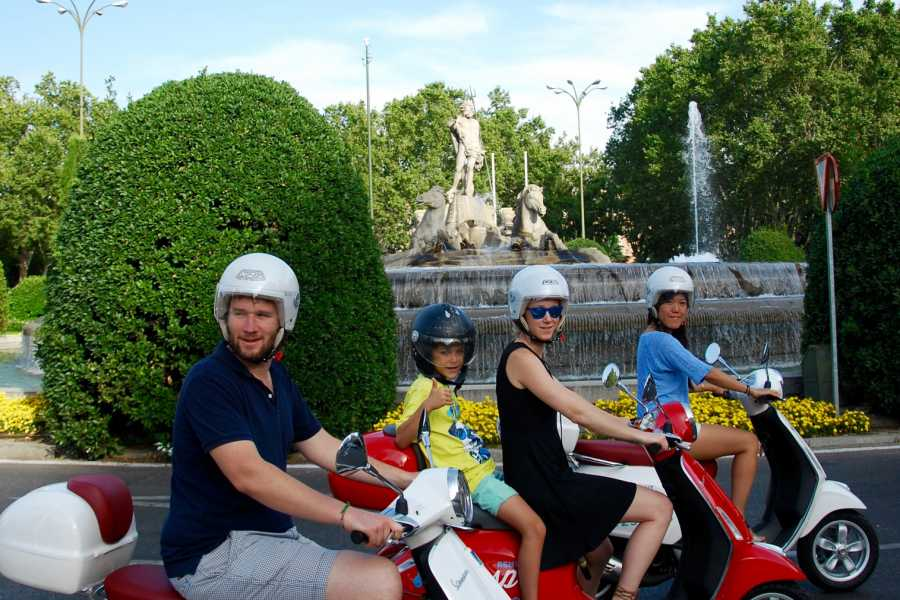 Urban Safari Tours Vespa: Tour + Conductor + Tapas / Picnic