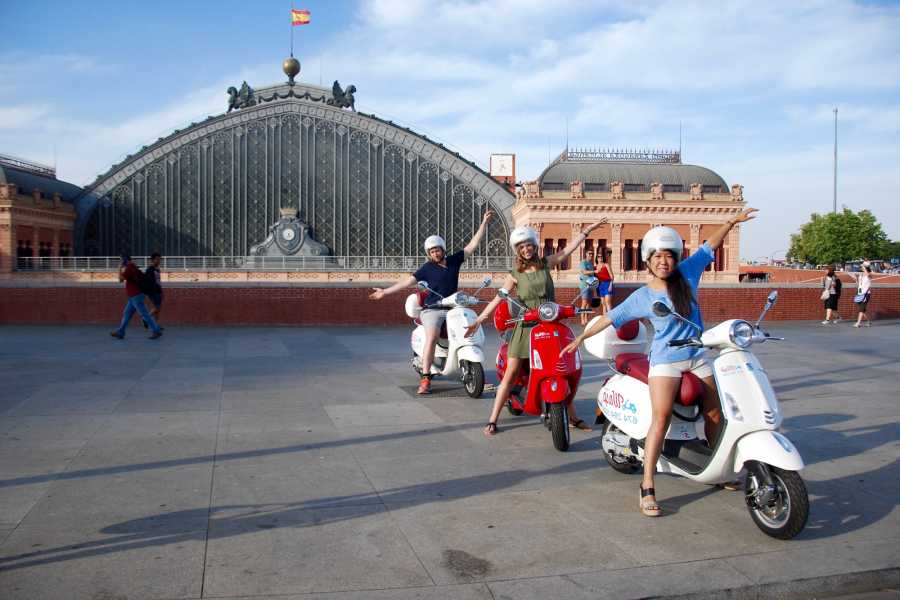Urban Safari Tours Vespa: 1 día + GPS Tour