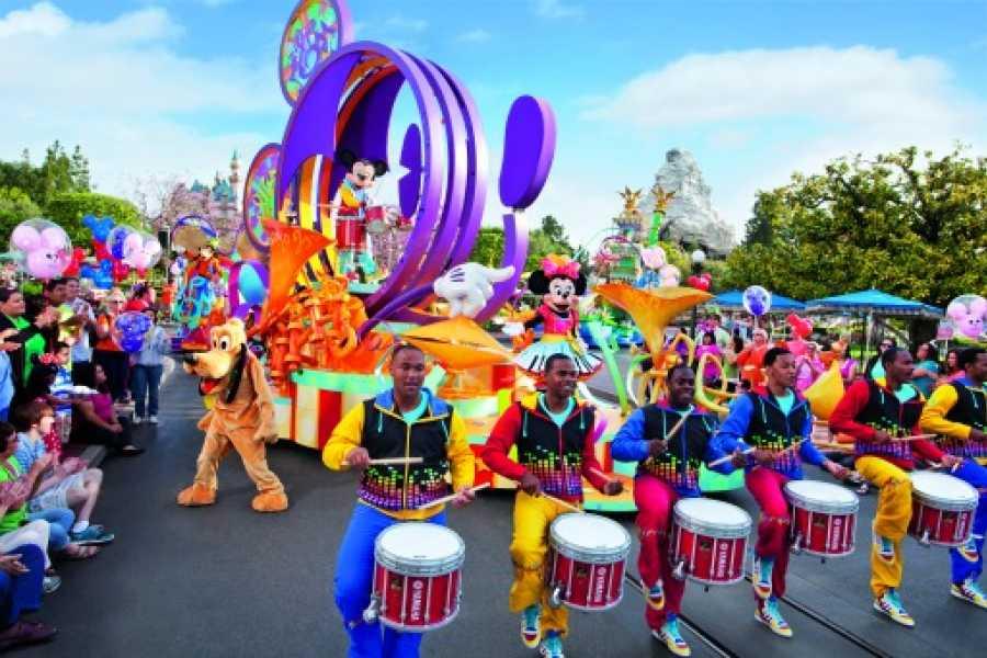 Dream Vacation Builders Disneyland From Los Angeles