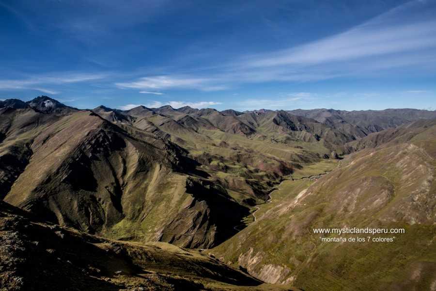 mystic lands peru LA MONTAÑA DE 7 COLORES