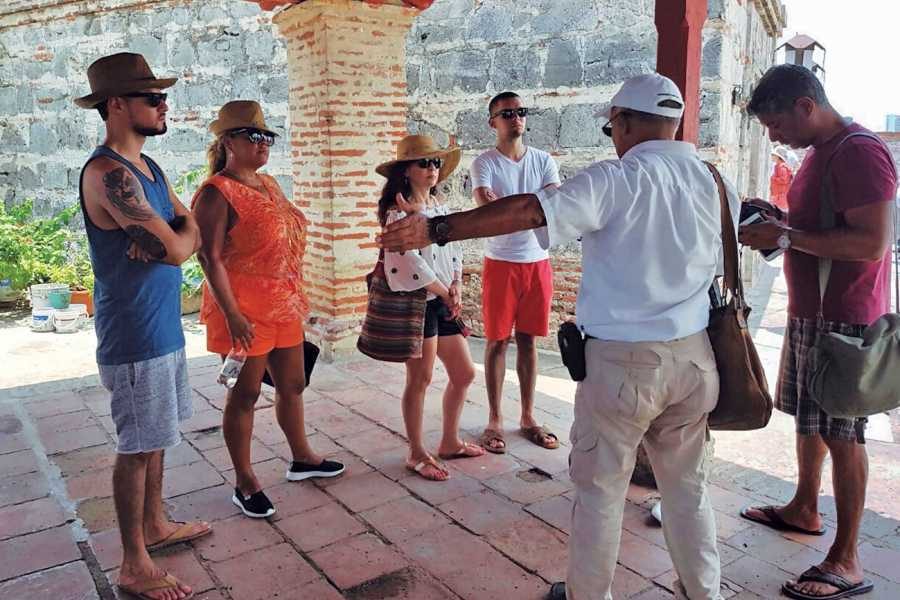 Backpackers City tour en chiva - Cartagena de Indias
