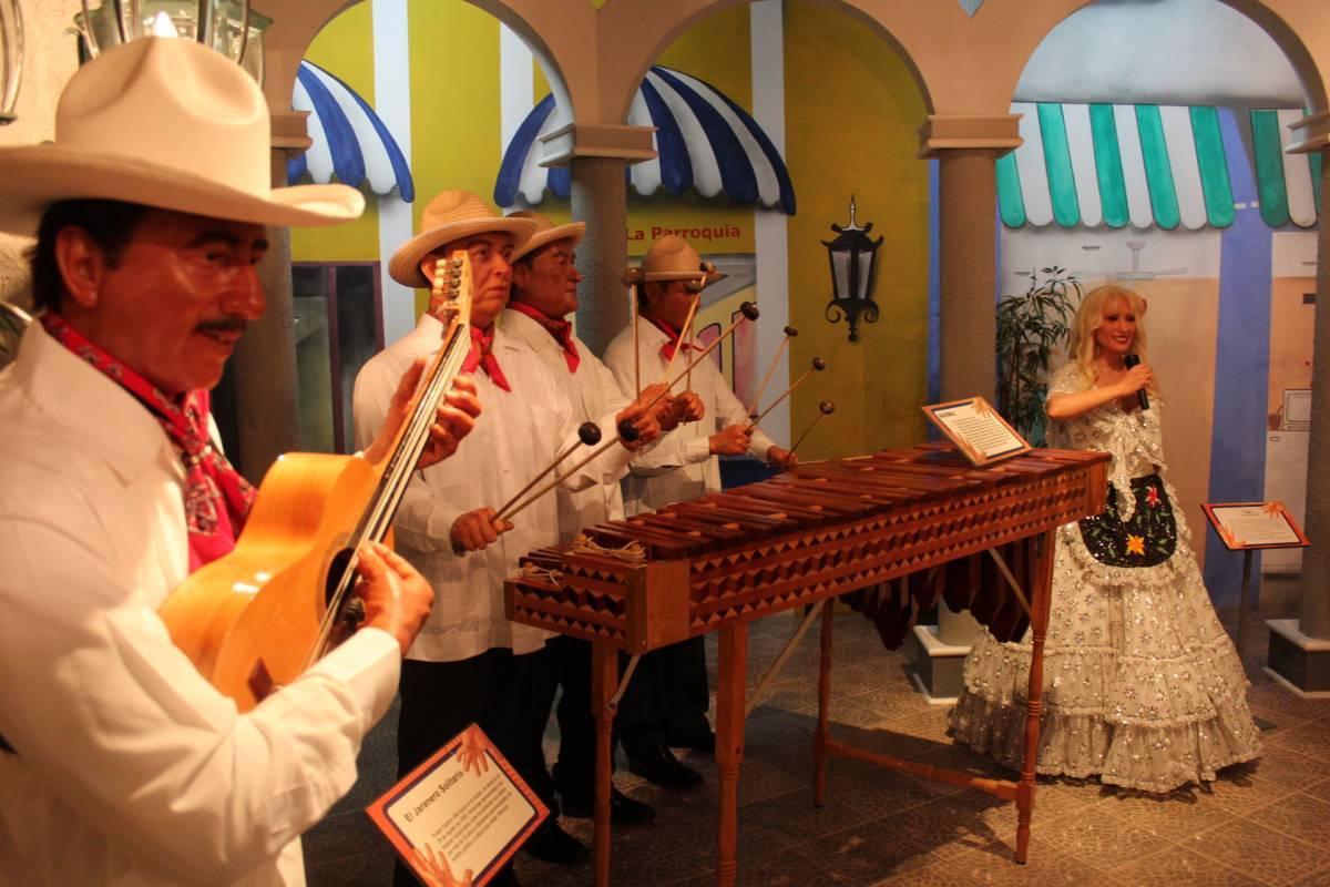 Tours & Tickets Operador Turístico Paquete 8 Atractivos Museos y Acuario