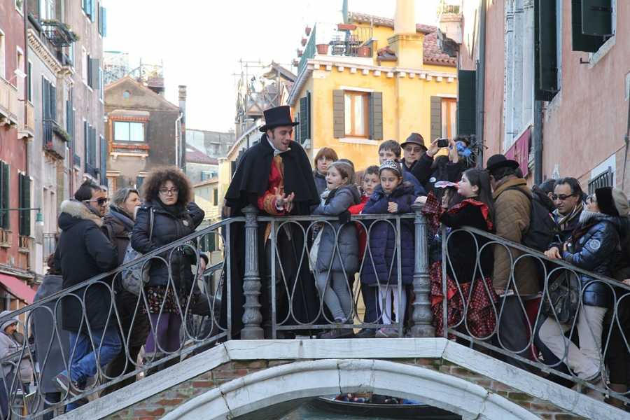 Venice Tours srl SUMMER  WALKING THEATRE SHOW