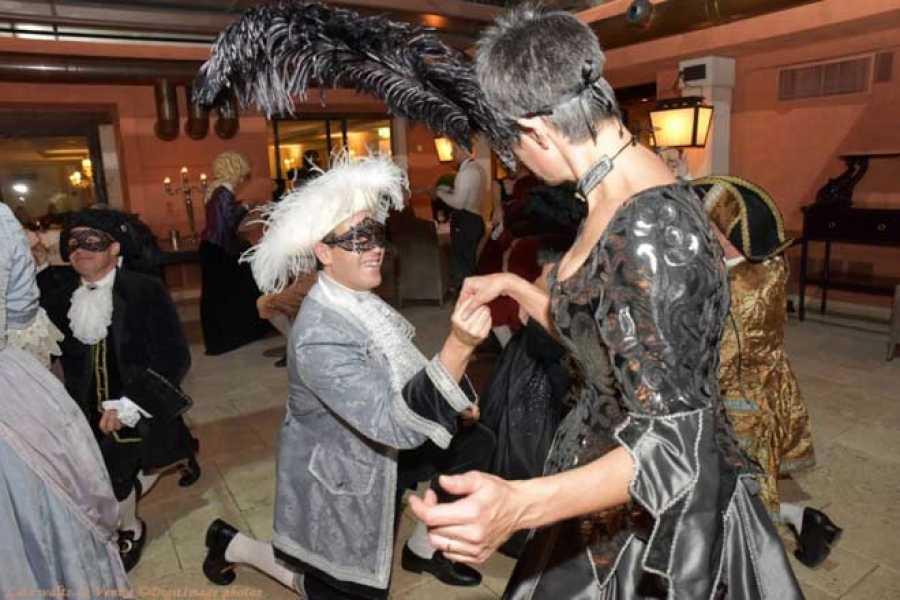 Venice Tours srl Last Carnival waltz in Venice, hotel Splendid Venice
