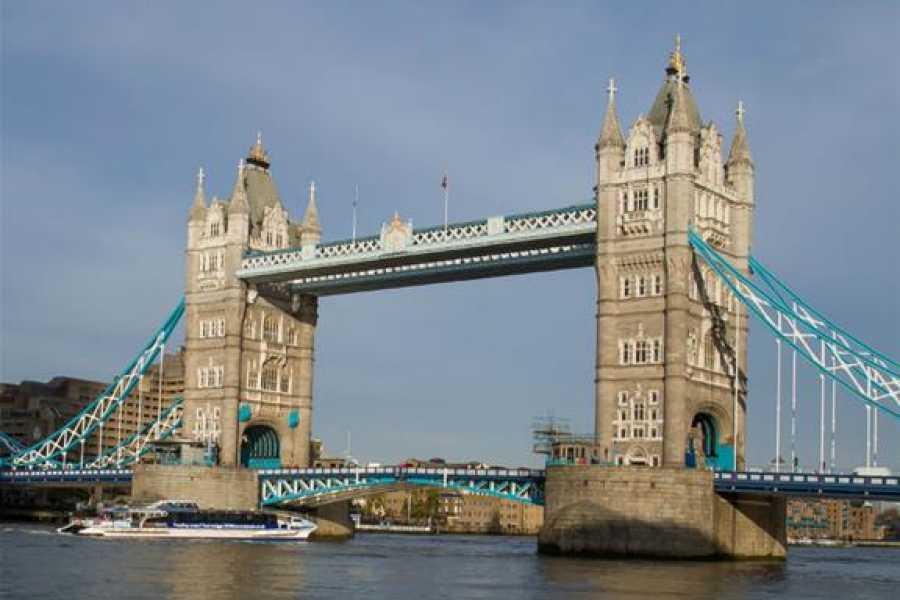 Muslim History Tours Tower Bridge