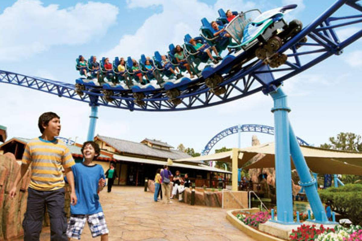 Dream Vacation Builders Sea World San Diego from SAN
