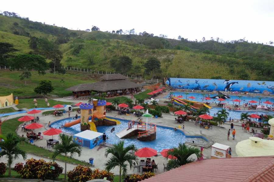 Viajando por Ecuador HOSTERIA AQUA PARK EL SURILLAL