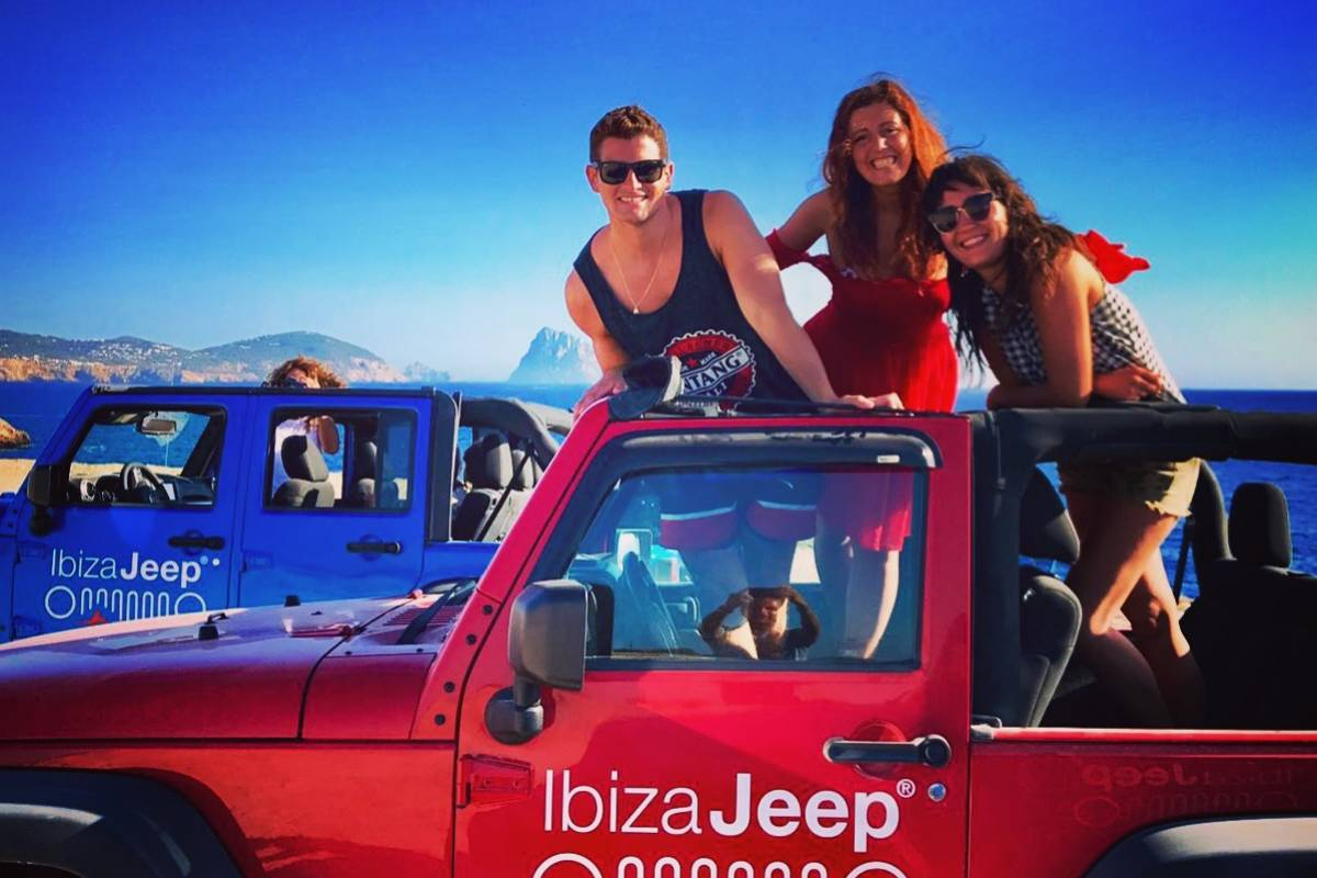 Ibiza Jeep Tours PREMIUM TOUR: PAELLA, CLIFF DIVING, PADDLE SURF, SNORKELING.