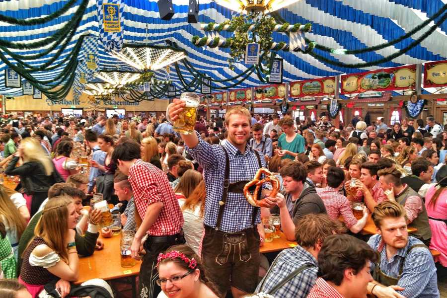 Bus2Alps AG Vicenza 2 Oktoberfest - Camping
