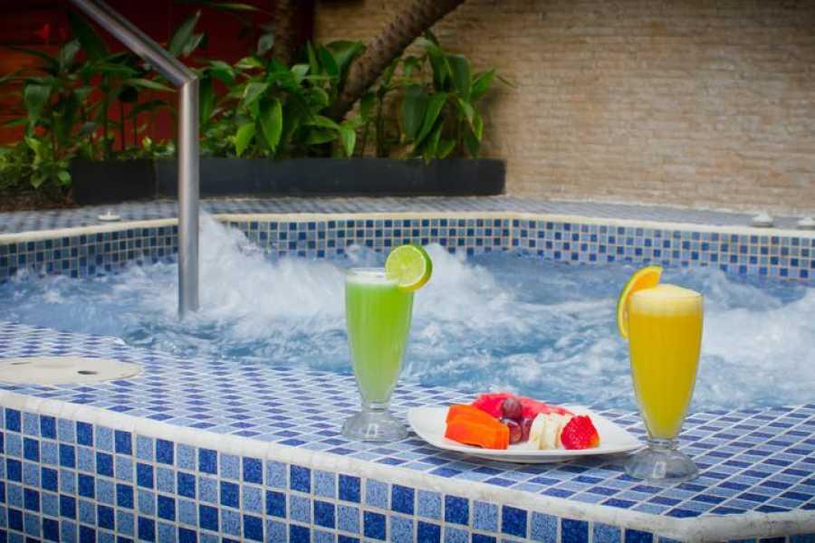 Viajando por Ecuador HOTEL HOWARD JOHNSON