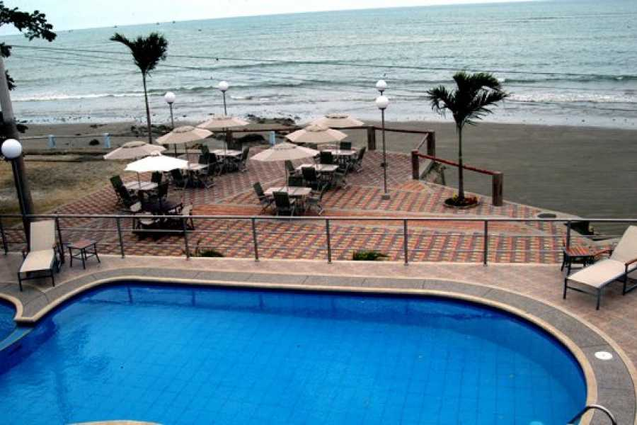 Viajando por Ecuador HOTEL PLAYA DORADA