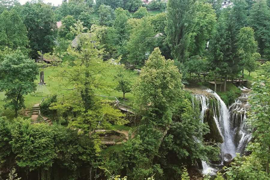 Degenija Tours Rastoke & Barac Caves Tour