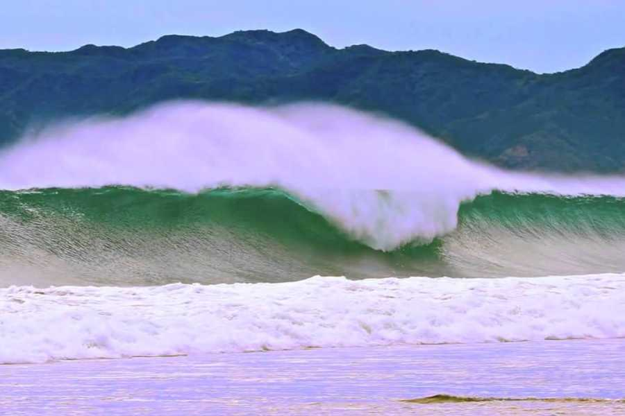 Tour Guanacaste Witches Rock Surf Trip
