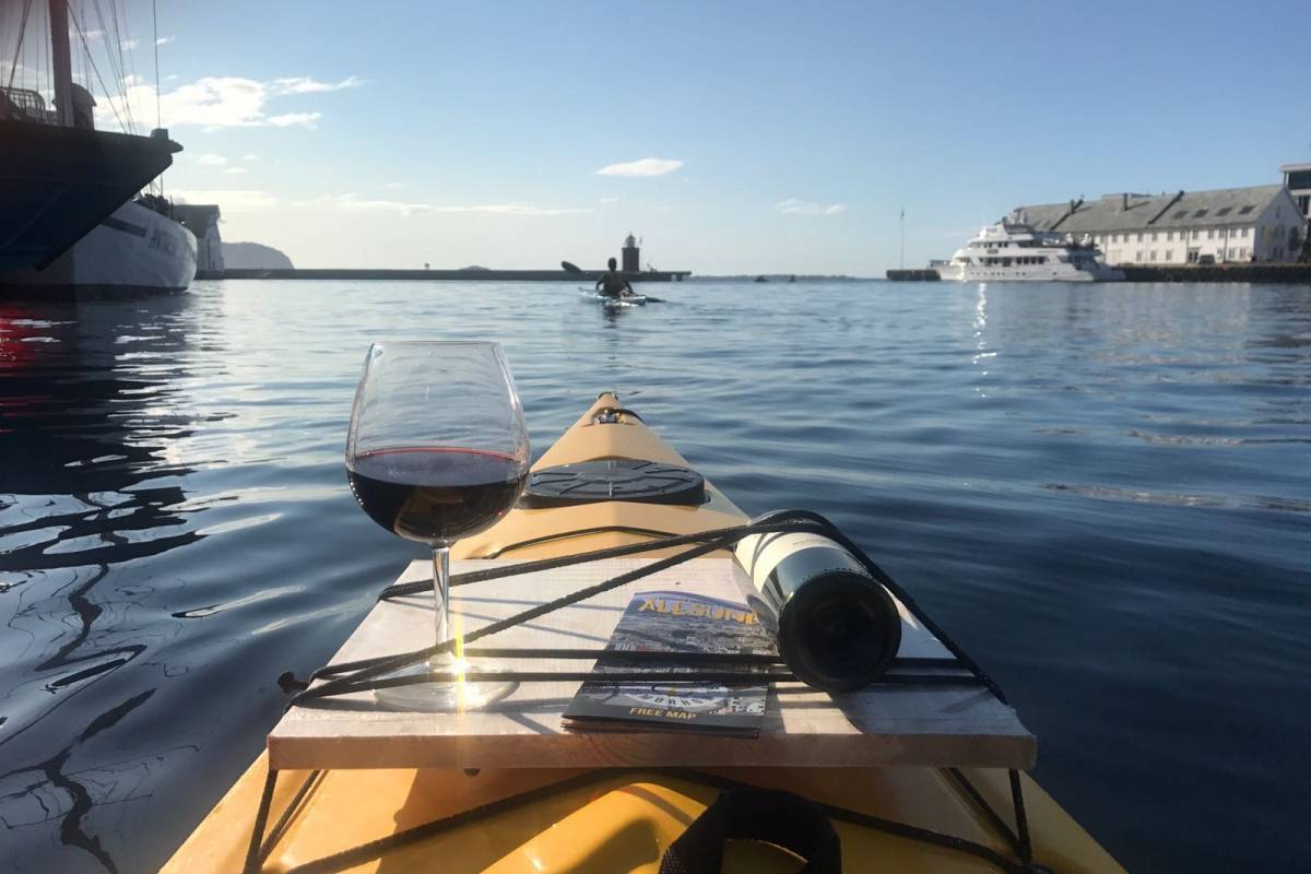 Kayak More Tomorrow AS Sunset Wine Tour