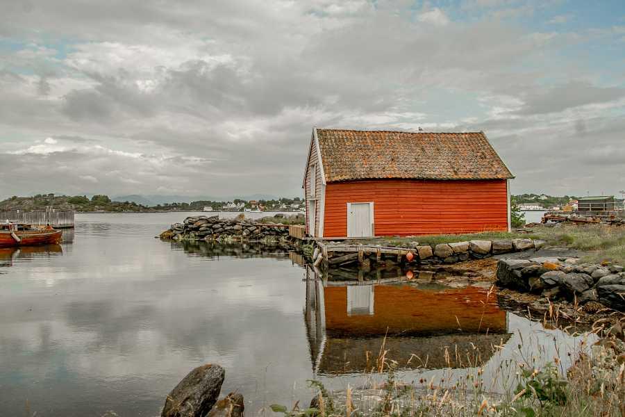 www.gosta.co 1. Go Island-hopping!