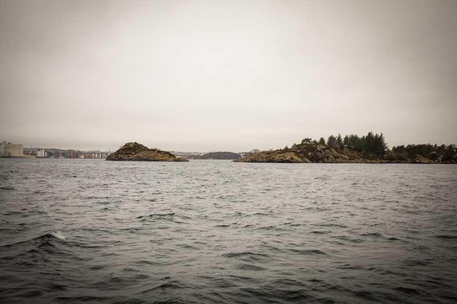 www.gosta.co 1. Go Islandhopping
