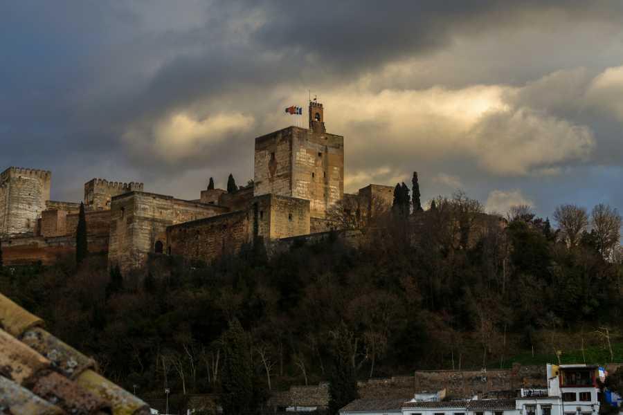 Granada Secreta y Subterránea Ruta Leyendas de la Alhambra
