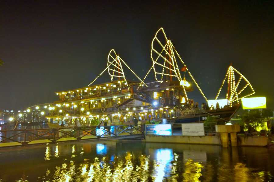 Tam Global Travel Saigon Night Life Dinner Cruise and AO Show