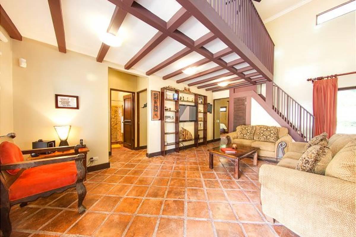 Krain Concierges Casa Alta