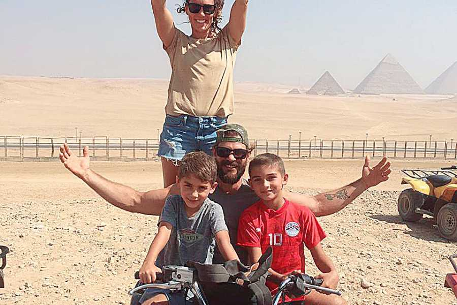 EMO TOURS EGYPT QUAD BIKE REISE AN GIZA PYRAMIDE