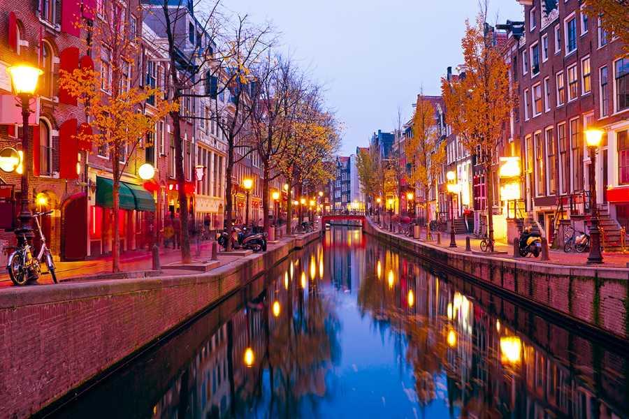SANDEMANs NEW Europe Tour Privado del Barrio Rojo de Ámsterdam