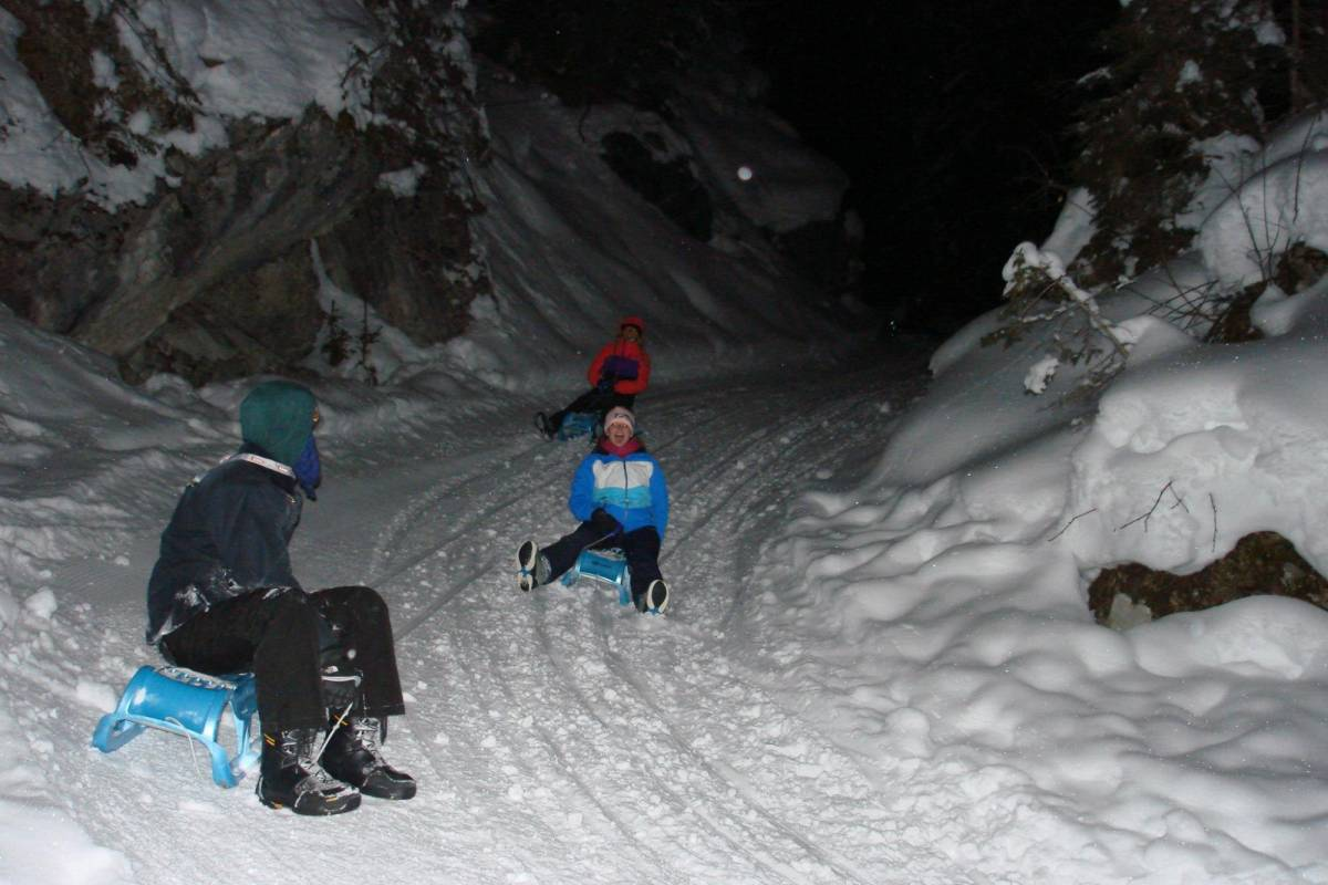 Outdoor Interlaken AG Night Sledding with Fondue