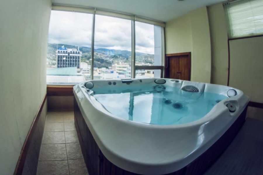 Viajando por Ecuador HOTEL EMPERADOR